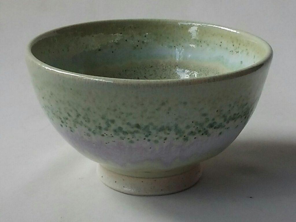 みどり色のご飯茶碗です。