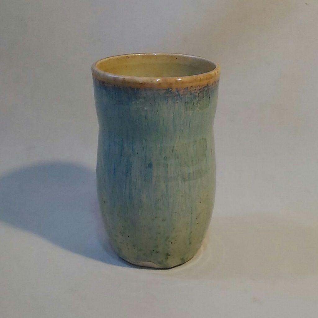 銅緑釉カップです。