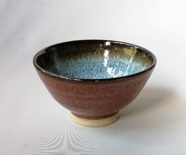 鉄赤釉飯碗です。