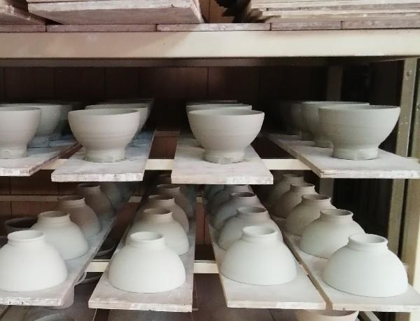 飯碗成形しています。