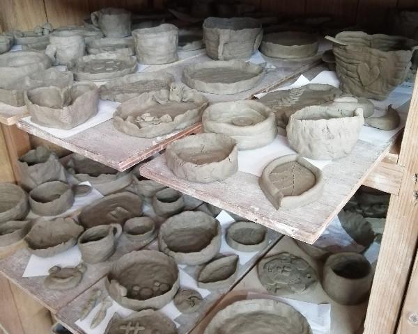小学校の陶芸教室作品です。
