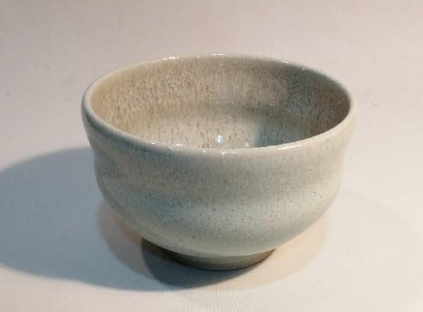 白釉汁碗です。