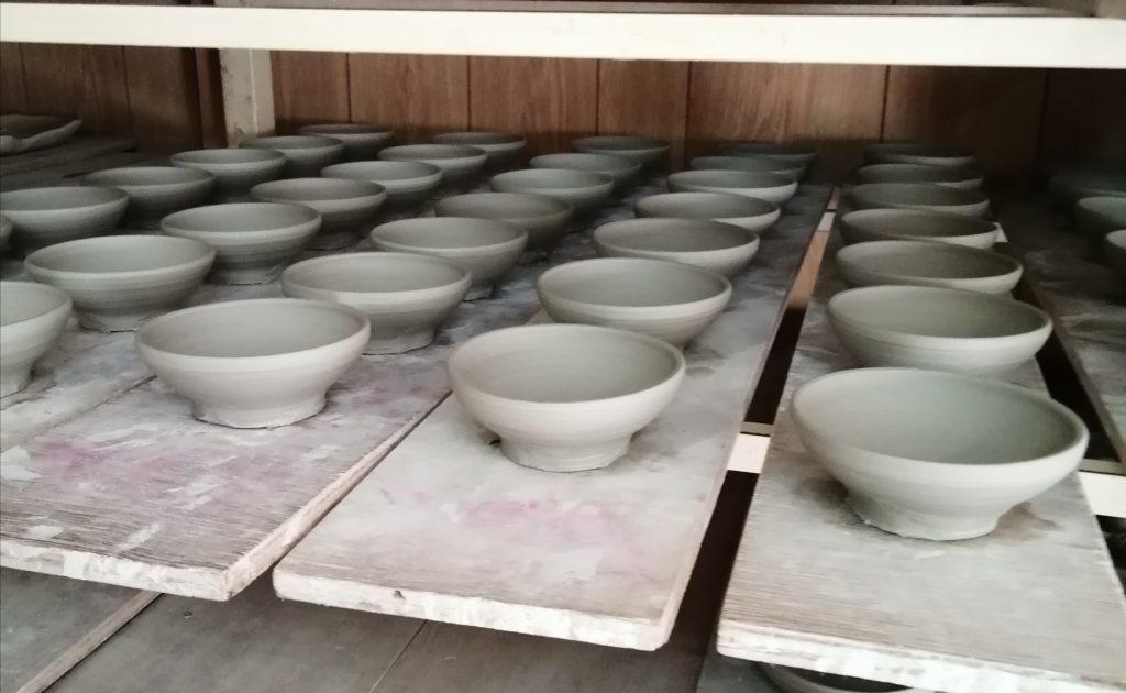 小鉢作っています。