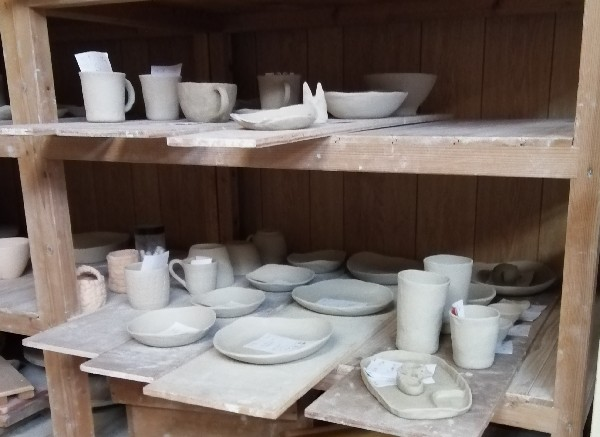 陶芸体験作品乾燥中です。
