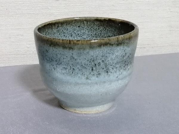 白釉フチ鉄いっぷく碗